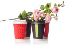 四朵纸板咖啡杯花 免版税库存照片