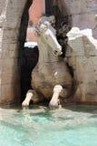 四条河喷泉细节马  免版税库存图片