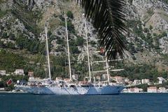 四被上船桅的船 免版税库存照片