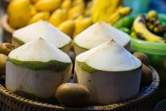 四被净化的椰子 库存图片