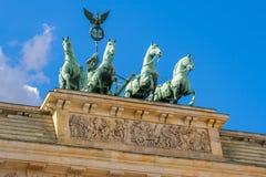 四马二轮战车雕象。柏林,德国 库存照片