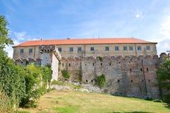 回到城堡siklos视图 免版税库存图片