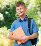 回到学校的男孩 库存图片