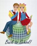 回到学校 小女孩和男孩有地球的 免版税库存照片