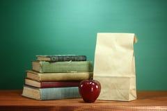 回到学校主题的背景图象的绿色 库存照片