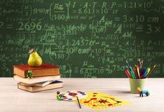 回到有数字的学校黑板 免版税库存照片