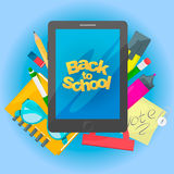 回到横幅学校 有文本和学校工具的片剂 也corel凹道例证向量 免版税库存照片