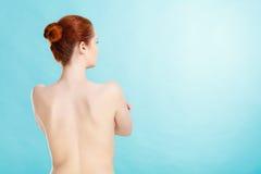 回到赤裸妇女年轻人 免版税库存图片