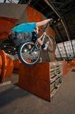 回到配件箱骑自行车者常设轮子 图库摄影
