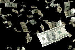 回报很多金钱的3D 100 USD钞票飞行浮游物在集中于最近一个的天空中 免版税库存照片