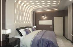 回报有紫色格子花呢披肩的卧室 免版税图库摄影