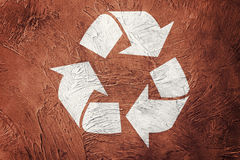 回收在难看的东西背景的标志 例证百合红色样式葡萄酒 免版税图库摄影