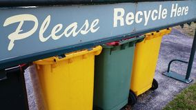 回收垃圾容器 库存图片