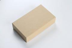 回收大模型的空白的纸板箱 库存照片