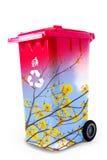 回收帮助地球概念的垃圾 免版税库存照片