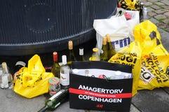 回收废物在垃圾箱 免版税库存照片