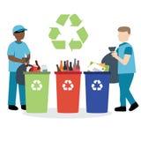回收废物的垃圾收集工 免版税库存照片