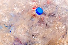 回收的使用的塑料瓶 免版税库存图片