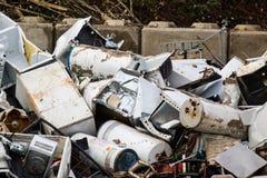 回收围场的废金属 图库摄影