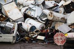 回收围场的废金属 免版税库存照片