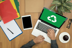 回收绿色生物eco森林挽救环境和谐ecosyst 免版税库存图片