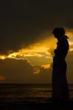 回教妇女祈祷 免版税图库摄影