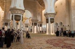 回教族长在阿布扎比,阿拉伯联合酋长国-内部zayed清真寺 库存图片