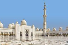 回教族长zayed清真寺内部庭院 免版税库存照片
