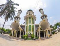 回教社区的Kamalulislam清真寺在Minburi的郊区 免版税库存照片