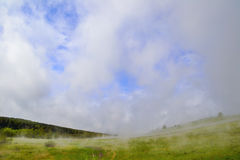 因为云彩出生。 图库摄影