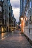 因斯布鲁克,奥地利老镇,在夜之前 免版税图库摄影