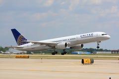 团结的采取的航空公司飞机 免版税图库摄影