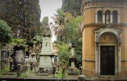 园地Verano公墓在罗马 免版税库存图片