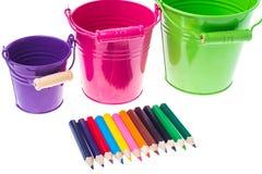 从园艺工具和色的铅笔的抽象 库存照片
