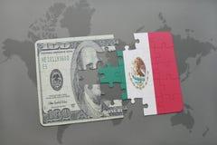 困惑与墨西哥和美元钞票国旗在世界地图背景 库存例证