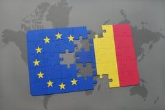 困惑与罗马尼亚和欧盟国旗在世界地图 库存照片