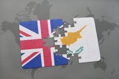 困惑与英国和塞浦路斯的国旗世界地图背景的 免版税图库摄影