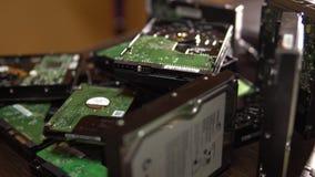 困难的磁盘驱动器 被拆卸的硬盘驱动器4K 影视素材