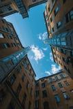 围场结构形状在圣彼得堡,俄罗斯 免版税库存照片