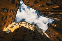 围场结构形状在圣彼德堡,俄罗斯 库存图片