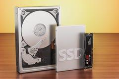 固体推进SSD,硬盘驱动器硬盘驱动器和M2 SSD在向求爱 库存例证