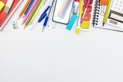 固定式明亮的在白色背景的学校和辅助部件 免版税库存图片