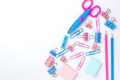 固定式概念,剪刀,铅笔平的位置顶视图照片  库存照片