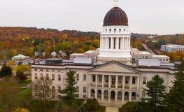 国会大厦修造的状态议院奥古斯塔缅因秋天季节天线 免版税库存图片