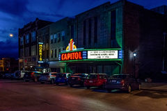 国会大厦剧院在Bowling Green在晚上 免版税库存图片