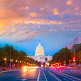 国会大厦日落宾夕法尼亚Ave华盛顿特区 免版税库存图片