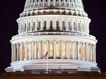 国会大厦特写镜头dc圆顶晚上我们华盛 免版税库存图片