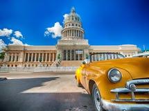 国会大厦的看法在哈瓦那 免版税图库摄影