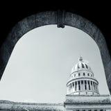 国会大厦,哈瓦那,古巴-黑白照片 免版税库存图片