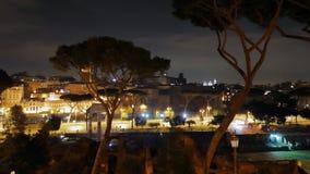 国会山庄 通过dei Fori Imperiali 晚上 罗马 影视素材